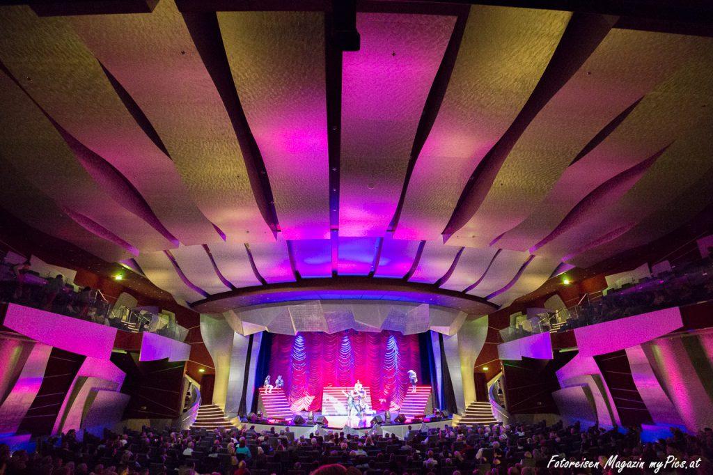 Abendveranstaltung Theater Kreuzfahrtschiff Fantasia