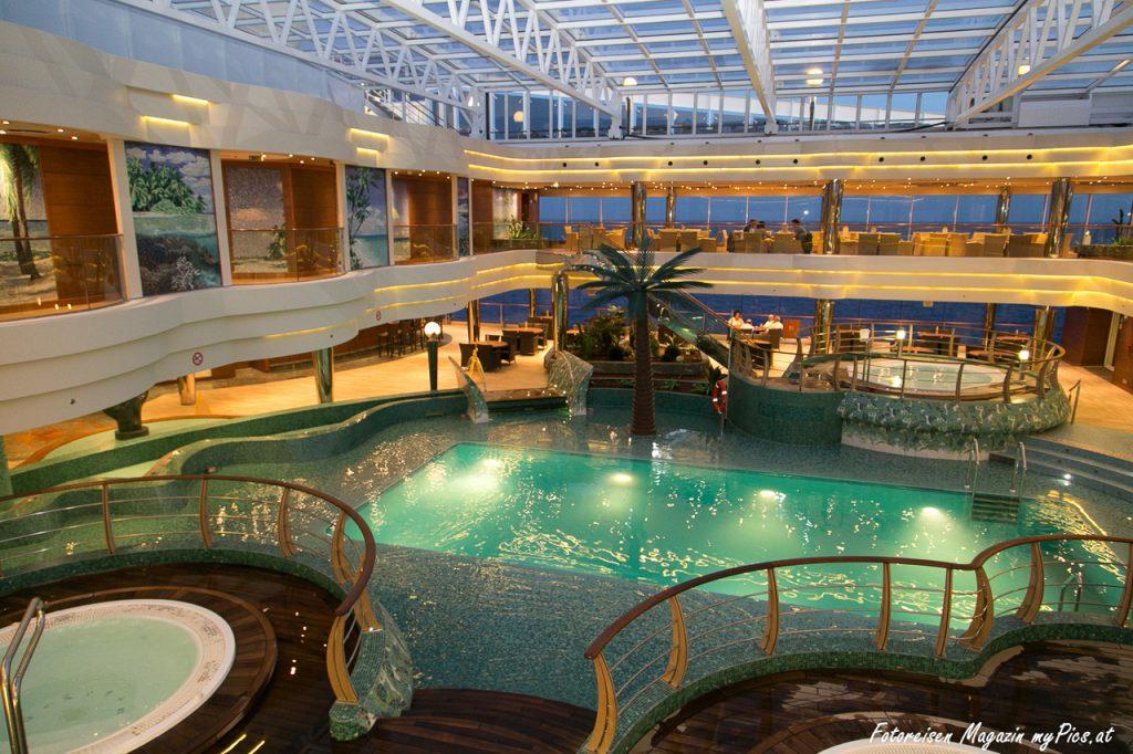 MSC Fantasia Schwimmbad