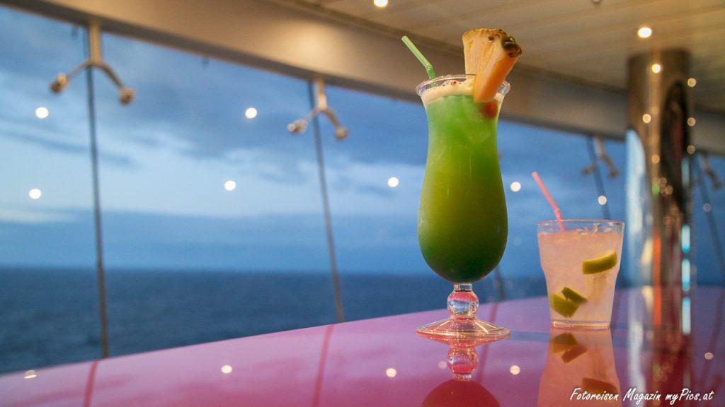 Cocktails am Kreuzfahrtschiff