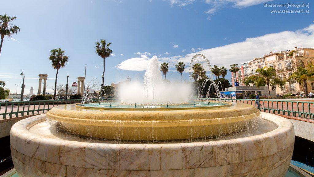 Springbrunnen Plaza de la Marina Malaga