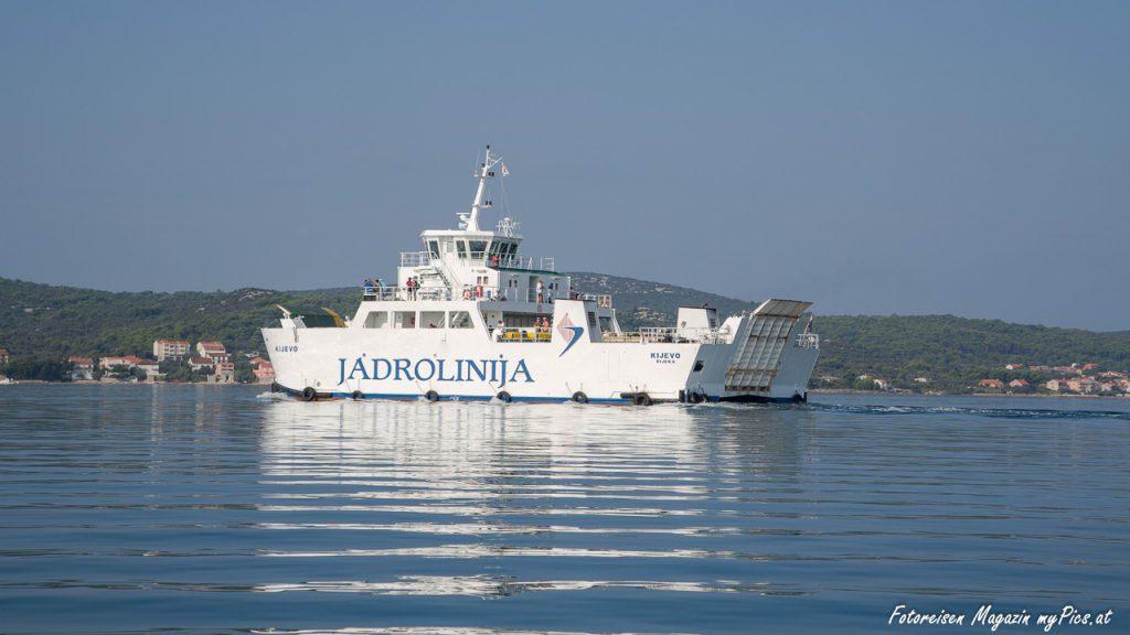 Jadrolinja Fähre zwischen Tkon auf der Insel Pasman und Biograd am Festland