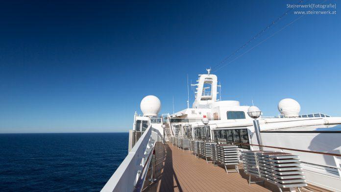 Telefonieren am Kreuzfahrtschiff