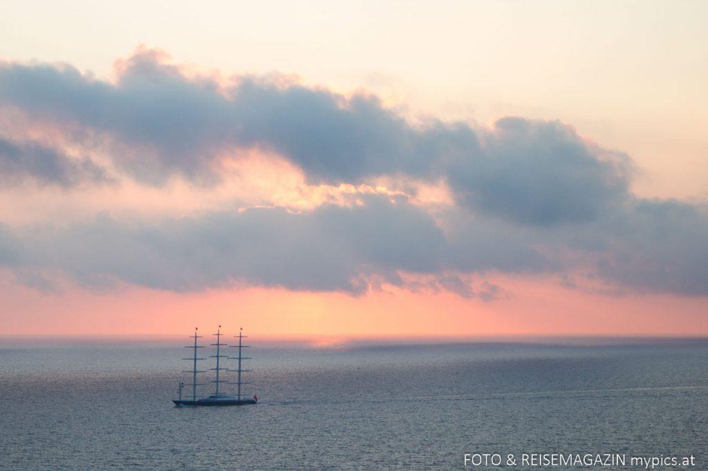 Aussicht auf der Meer und Sonnenuntergang vom Kap Doukato