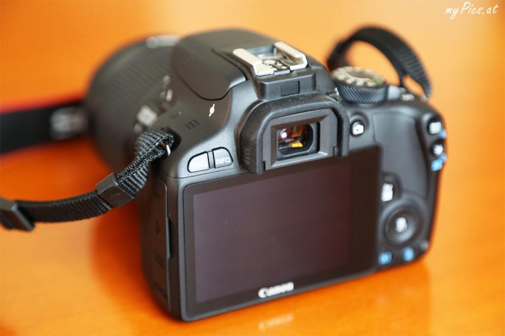 EOS100D mit großem Touchscreen